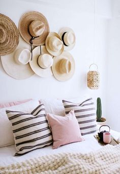 The bedroom. Here's how you can do one bedroom three ways. One Bedroom, Home Decor Bedroom, Living Room Decor, Diy Home Decor, Home Interior, Interior Design, Small Space Organization, Hat Organization, Piece A Vivre