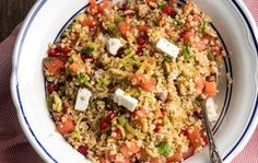 Bulgur wheat salad with feta, chestnuts and pomegranate - Bulgur Salad Orzo Recipes, Salad Recipes, Vegetarian Recipes, Dinner Recipes, Cooking Recipes, Healthy Recipes, Ww Recipes, Healthy Meals, Healthy Food