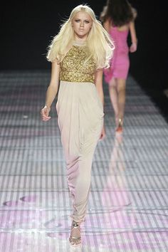 Versace Spring 2008 Ready-to-Wear Collection Photos - Vogue