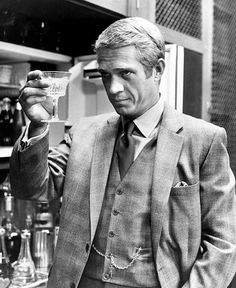 Steve McQueen from the Thomas Crown Affair. Can watch it over and over. I like the remake with Pierce Brosnan, also, but not nearly as well. Steve McQueen just embodies this part. Hollywood Stars, Classic Hollywood, Old Hollywood, Hollywood Actresses, Steeve Mcqueen, Thomas Crown Affair, Faye Dunaway, In Vino Veritas, Mick Jagger