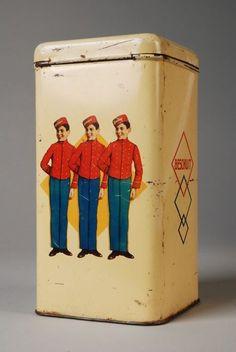 Rechthoekig geel Stereo beschuitblik met drie in rood en blauw gestoken piccolo´s
