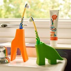 Animal Toothbrush Holders ==