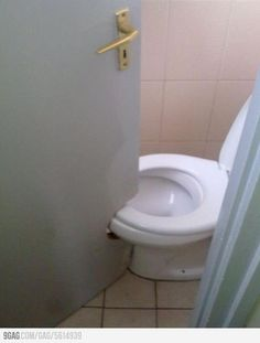 1000 images about boligmareridt building fails for Bathroom 9gag