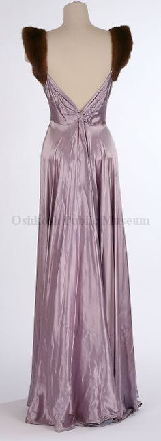 Dress - back - c. 1930's - Oshkosh Public Museum - @Mlle                                                                                                                                                                                 More