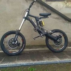 Tricycle Bike, Trike Motorcycle, Motorcycle Design, Velo Design, Bicycle Design, Dh Velo, Electronic Bike, Rs4, Montain Bike