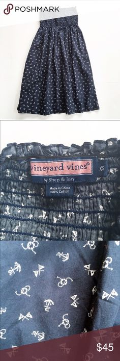 Vineyard Vines strapless nautical print dress Navy and blue nautical print strapless dress from Vineyard Vines, size XS. 100% cotton, top is smocked with elastic. Excellent condition. Vineyard Vines Dresses Strapless