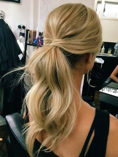 Wedding Hairstyles Bridesmaid Hair Hair Messy Ponytail Prom Hair- ponytail hairstyles for prom classy ponytail hairstyles Wedding Hair And Makeup, Hair Makeup, Hair Wedding, Wedding Pony Tail, Makeup Hairstyle, Hair Styles Wedding Guest, Bride Makeup, Wedding Hair Jewelry, Loose Curls Wedding