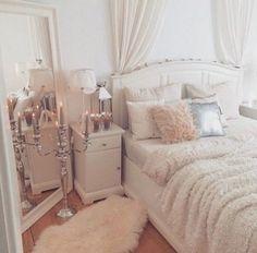 Gorgeous Classic Feminine Glam Bedroom Ideas (4)