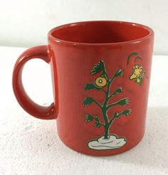 Waechtersbach Peanuts Woodstock Bird w Charlie Brown Christmas Tree Red Mug NEW