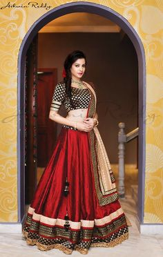 Classy and Elegant Red and Black Lehenga Choli India Fashion, Ethnic Fashion, Asian Fashion, Red Fashion, Fashion Ideas, Mode Bollywood, Bollywood Fashion, Lehenga Designs, Indian Attire