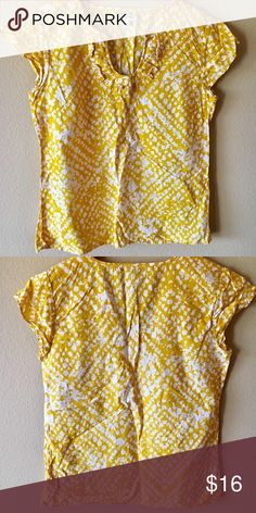 96b25e06d7da5 Banana Republic Yellow Cotton Ruffle Top sz SMALL Banana Republic Size SMALL  Ruffle front cotton dress