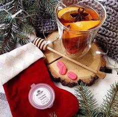 Už čoskoro sa môžete tešiť na novú várku vianočných noviniek!🎄Od obľúbených Christmas Crackers, elektrických sviečok Magik Candles až po limitky praskajúcich sviečok 😍 #kouzlokoupele #prirodnakozmetika #handmade #crueltyfree #veganfriendly #vonnevosky #sojovesvicky #sviecky #kuzlokupela