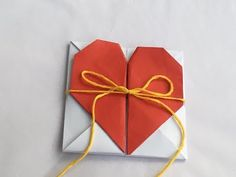 Learn how to make an Origami Fox Box!Learn how to make an Origami Fox Box!deOrigami Secret Heart message boxOrigami Secret Heart Message Box is for those who Origami Ball, Diy Origami Box, Origami Ribbon, Origami Paper Folding, Origami Fish, Origami Butterfly, Dollar Origami, Useful Origami, Origami Flowers