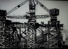 The construction of the Sydney Harbour Bridge (year unknown).   🌹