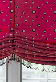 fabric and trim look great together, nice amount of folds on bottom of pleated shade