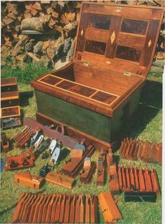 Woodworking Tool Cabinet, Antique Woodworking Tools, Woodworking Projects, Wood Tool Box, Router Table, Old Tools, Walnut Veneer, Cabinet Makers, Tool Storage