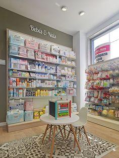 Supermarket Design, Retail Store Design, Baby Store Display, Pharmacy Store, Pharmacy Humor, Drug Store, Decoration Shop, Clothing Store Design, Design Exterior