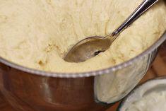 Ukrajování těsta na vdolky Kitchen, Cooking, Kitchens, Cuisine, Cucina