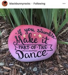 35 Awesome Painted Rocks Quotes Design Ideas 17 – Home Design Pebble Painting, Pebble Art, Stone Painting, Painting Art, Painting Videos, Paintings, Painted Rocks Craft, Hand Painted Rocks, Painted Stones