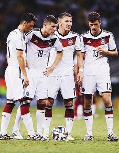 Mesut Oezil, Toni Kroos, Bastian Schweinsteiger, Thomas Mueller