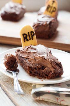Czekoladowe cmentarzysko czyli upiorne ciasto na halloween