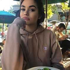 """57.2k Likes, 678 Comments - Maggie Lindemann (@maggielindemann) on Instagram: """"my lips are beat up but my blonde is coming through lmao"""""""