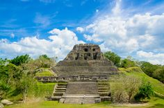 Picture of the Mayan ruins of Xunantunich in belize