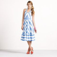 blue & white stripes... reminds me of the french riviera!
