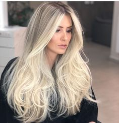 The image may contain: one or more people and close-up, contain Blonde Hair Looks, Platinum Hair, Blonde Balayage, Bayalage, Great Hair, Gorgeous Hair, Hair Trends, New Hair, Hair Inspiration