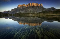 Origins of symmetry - Landscape Photography by Xavier Jamonet  <3 !