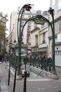 Station Metro Château d'Eau, 10ᵉ arrondissement de Paris