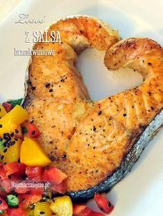 Łosoś z salsą brzoskwiniową, łosoś, salsa brzoskwiniowa, truskawki, brzoskwinie, http://najsmaczniejsze.pl #food #łosoś #salmon #salsa