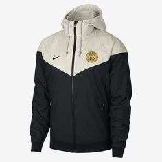 The Paris Saint-Germain Windrunner Men's Woven Hooded Jacket offers off-pitch style and team pride. It's based on the legendary chevron design, which has defined the Windrunner look for decades, with updated color blocking. Windbreaker Outfit, Nike Windbreaker, Nike Outfits, Sport Outfits, Nike Clothes Mens, Football Jackets, Windrunner Jacket, Football Fashion, Nike Jacket