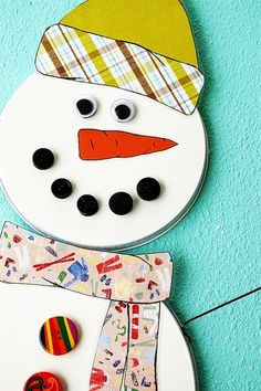 DIY magnetic snowman craft. Fun to have on the fridge for the kids during Christmas.