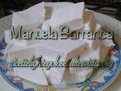 Marshmallows Ingredienti: 250 g zucchero 20 g colla di pesce 20 g fecola di patate 150 g acqua 25 g zucchero vanigliato burro per imburrare la pirofila Pro