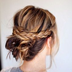 10 Beautiful & Effortless Updo Hairstyle Tutorials for Medium Hair   Gorgeous DIY Hairstyles by Makeup Tutorials at makeuptutorials.c...