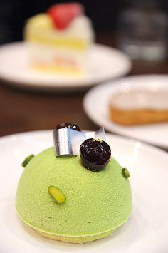 Soyeaux (blackberry, pistachio & cherry) | D'eux Patisserie Cafe