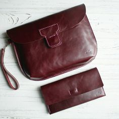 Want to have matching clutch and wallet? We've got them :) now in this colour only, but will add some others too soon :) Best Leather Wallet, Leather Pouch, Leather Purses, Leather Handbags, Cheap Purses, Wallets For Women Leather, Leather Projects, Leather Accessories, Handbags On Sale