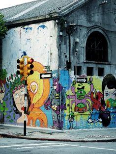 Graffiti on the corner (Montevideo, Uruguay)