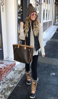 Cute outfits - Summer Outfits - Fall Outfits - Outfits for teen - Fashion summer spring outfits idea. Cozy Winter Outfits, Winter Outfits Women, Winter Fashion Outfits, Outfits For Teens, Autumn Winter Fashion, Fall Outfits, Dress Winter, Winter Boots, Winter Clothes