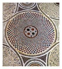 Altro rosone la superfice del pavimento della Basilica di S.Marco è di 2099mq.