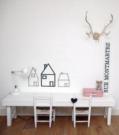 Kiddos crafts table