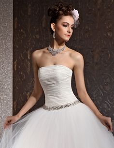 strapless tulle wedding dress with pleated bodice