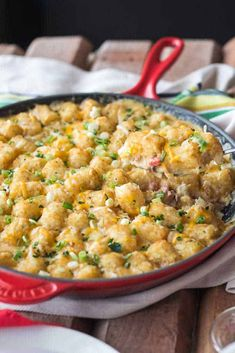 This Tater Tot Breakfast Casserole Has Super Creamy Eggs, Bacon And 2 Kinds Of Cheese! It's Easy To Make Ahead Of Time And Is Perfectly Freezer-friendly!. Tater Tot Caserole, Tater Tot Breakfast Casserole, Tater Tots, Beef Recipes, Cooking Recipes, Broccoli Recipes, Potato Recipes, Yummy Recipes, Best Comfort Food