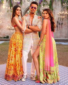 Student of the Year 2 outfits - Tiger Shroff, Ananya Pandey, and Tara Sutaria Bollywood Couples, Bollywood Girls, Bollywood Stars, Bollywood Fashion, Indian Celebrities, Bollywood Celebrities, Handsome Celebrities, Indian Dresses, Indian Outfits