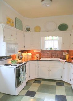 "When ""Updating"" Isn't What Your Kitchen Needs - The Decorologist"