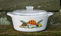 """Corning Ware Merry Mushroom Four (4) Quart Dutch Oven/Roaster/Covered Saucepan and Original Pyrex """"Dimpled"""" Lid ~ Rare Pattern"""