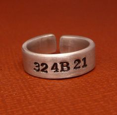 Orphan Black ring: 324B21 - Cosima