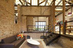 Projeto da Loja Fernando Jaeger, do SuperLimão Studio - finalista na categoria Arquitetura Comercial do Building Of the Year Award
