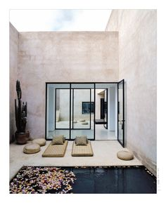 small space #pool. -- Marrakesh home, designed by Esther Gutmer with Architect Helena Marczweski.